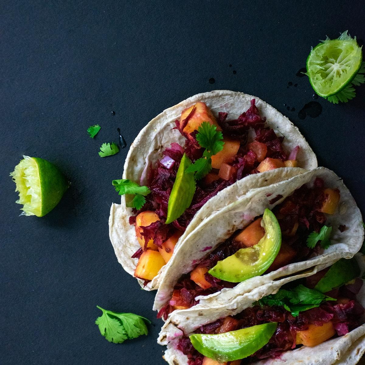 Tacos de jamaica veganos